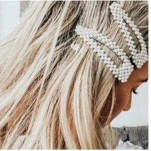 Accessories - 💖Oversized Pearl Hair Clip